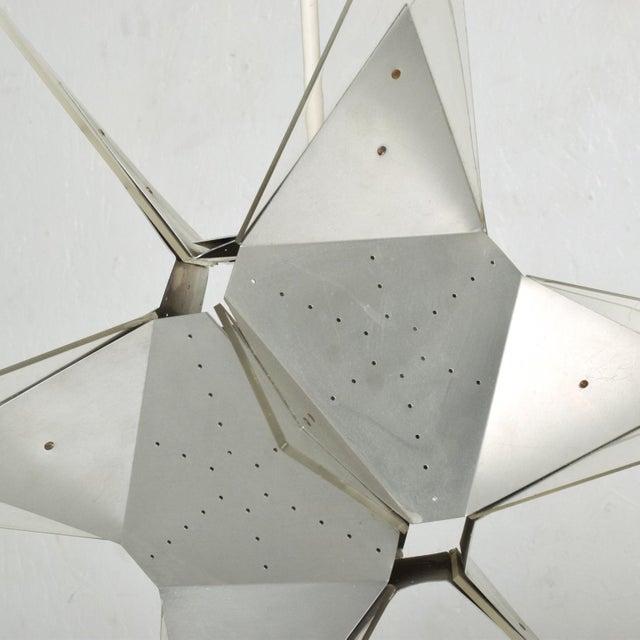 Robert Sonneman Mid-Century Modern Aluminium and Plexiglass Moravian Star Pendant Lamp, 1960s For Sale - Image 4 of 7