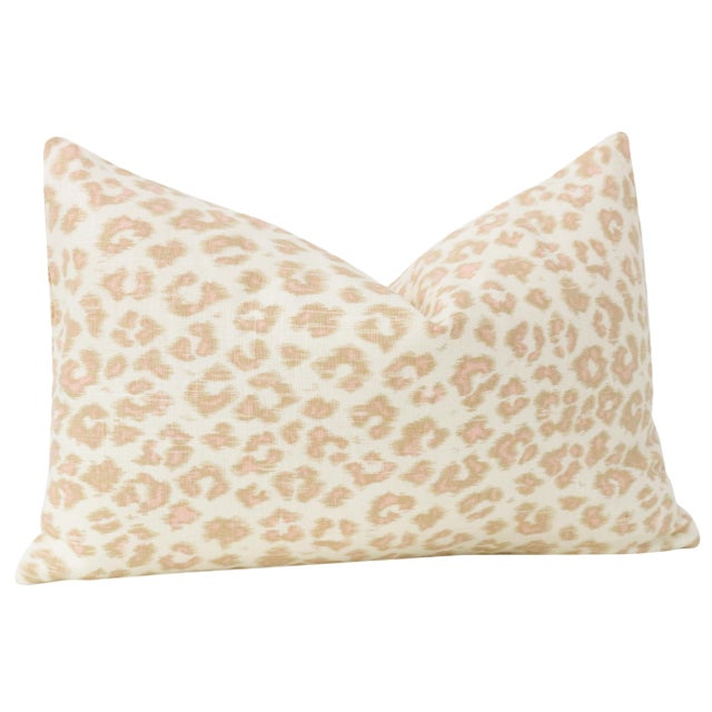 "12"" X 18"" Leopard Linen Blush Lumbar Pillows - a Pair For Sale - Image 4 of 5"