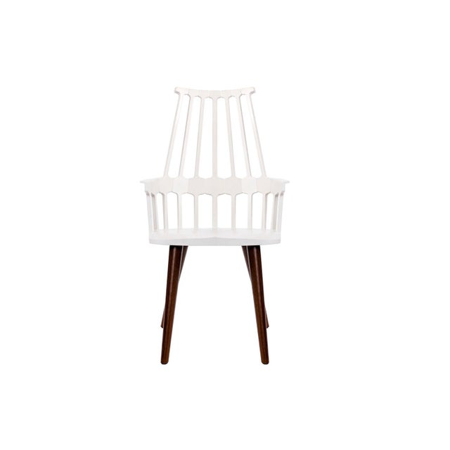 Contemporary Kartell White Thermoplastic Shell Seat With Oak Stained Leg Dining Chair For Sale - Image 3 of 5