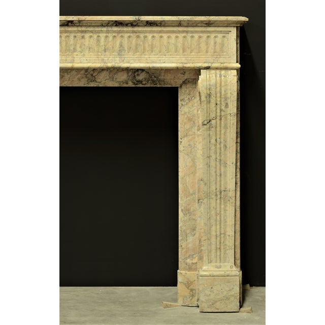 Early 19th Century Antique Escallete Marble Louis XVI Fireplace Mantel - Free Shipping - For Sale - Image 5 of 9