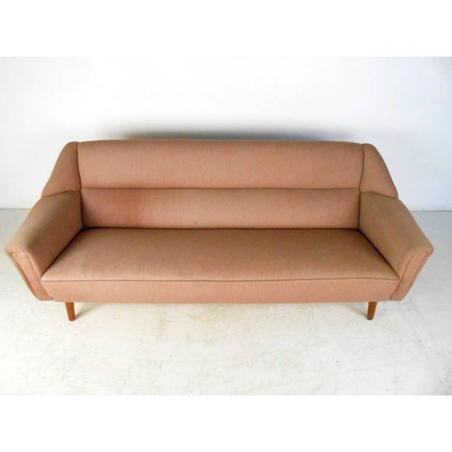 Mid-Century Modern Sofa in the Style of Kai Kristiansen For Sale In New York - Image 6 of 11