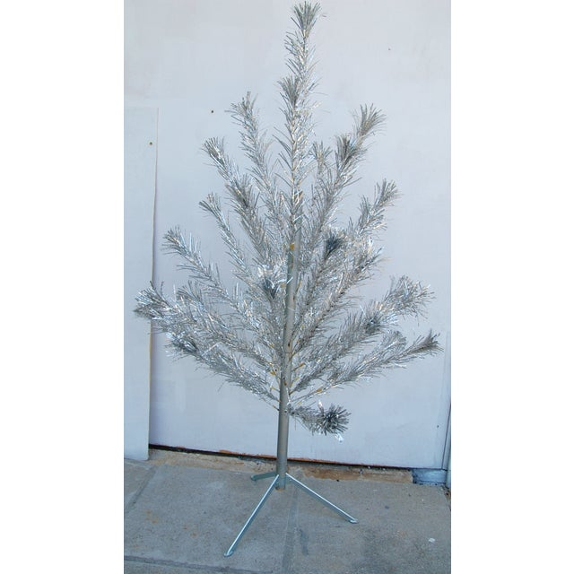 Mid-Century Atomic Style Aluminum Christmas Tree - Image 4 of 11