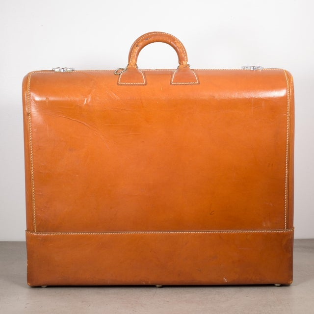 "Vintage ""The Colonel"" Leather Luggage C.1950-1960 For Sale - Image 4 of 13"