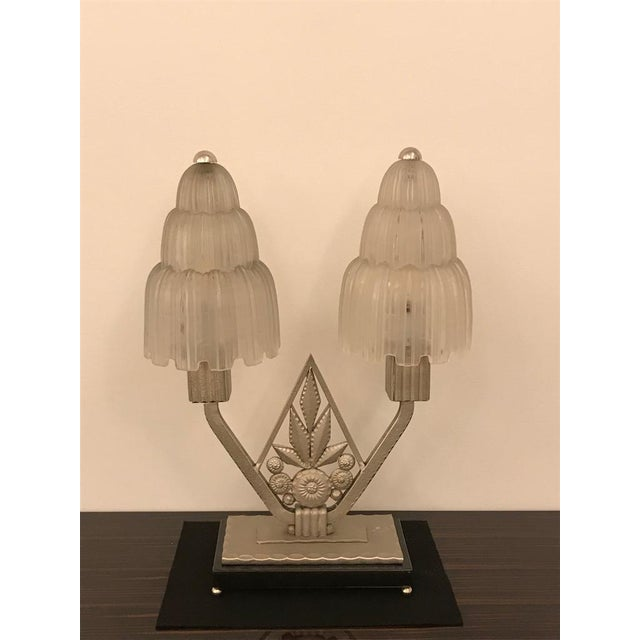 """Metal French Art Deco """"Waterfall"""" Table Lamp Signed by Sabino For Sale - Image 7 of 13"""