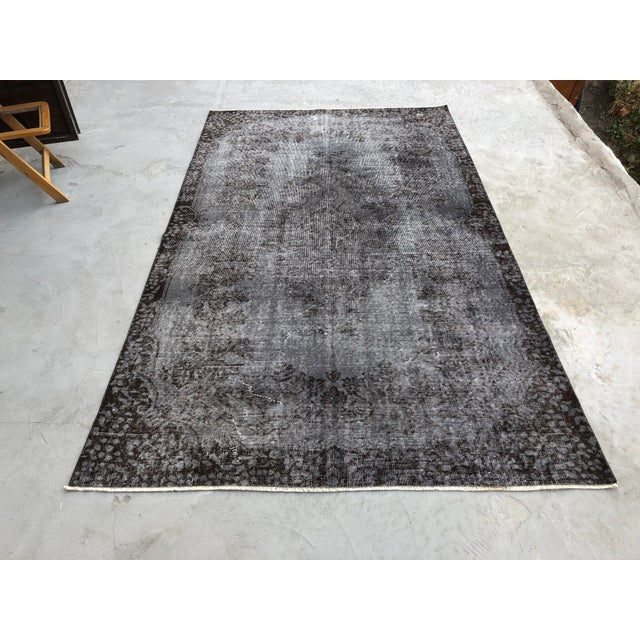 Turkish Vintage Wool Dark Gray Rug - 5′5″ × 9′3″ For Sale - Image 11 of 11