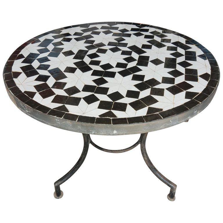 Merveilleux Moroccan Black U0026 White Mosaic Side Table