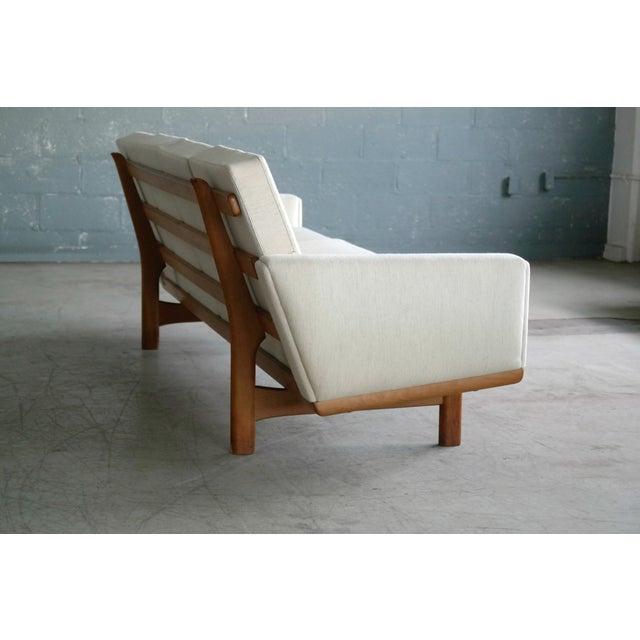 Fabric Hans Wegner for Getama Model Ge-236/4 Four Seat Sofa in Oak and Beige Wool For Sale - Image 7 of 11