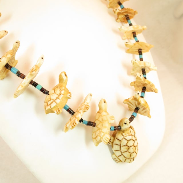 Tribal Native American Zuni Hand-Carved Bone Turtle Fetish Necklace 1970s For Sale - Image 3 of 12