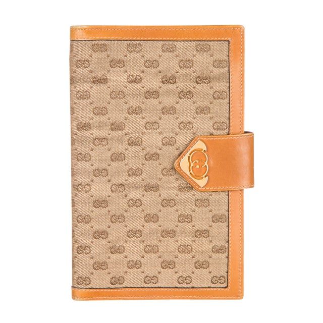 1970s Vintage Gucci Logo Print Agenda Cover With Original Gucci Stationary Notepad For Sale
