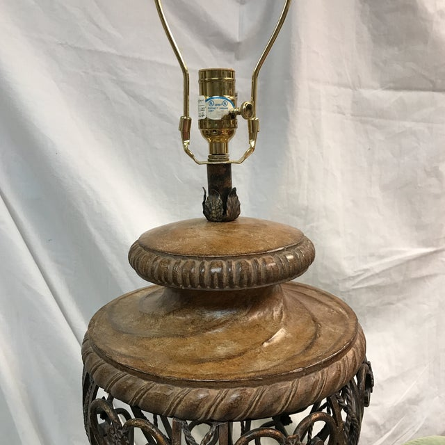 Fine Art Metal Detailed Table Lamp - Image 5 of 11