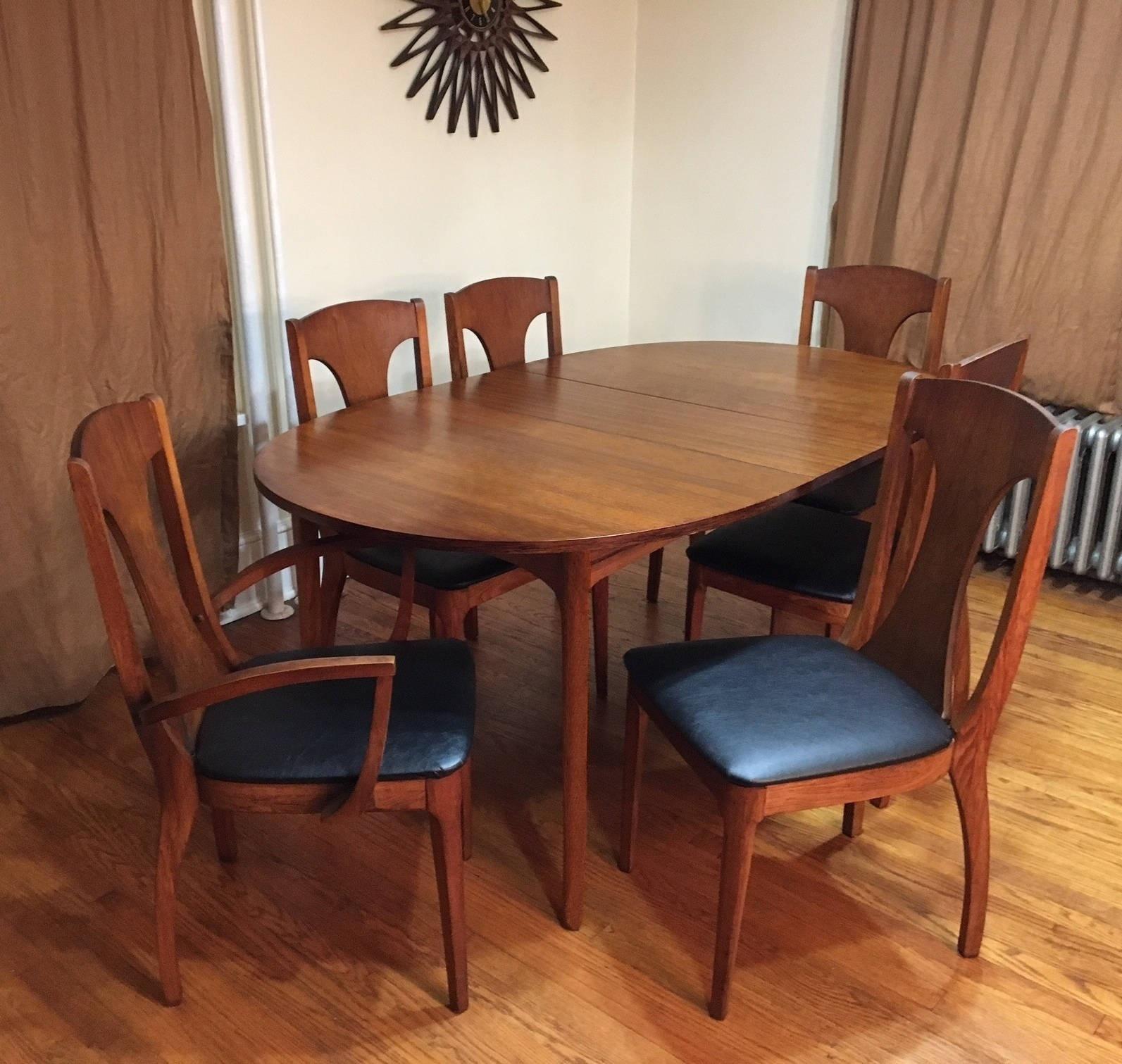 Mid Century Modern Kroehler Walnut Dining Table 6 Chairs Chairish