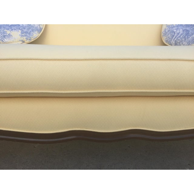 Vintage Bernhardt French Louis XV Style Settee For Sale - Image 10 of 11