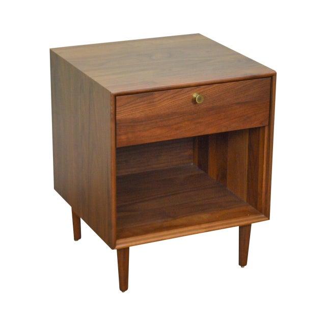 Copeland Danish Modern Style Walnut 1 Drawer Nightstand For Sale