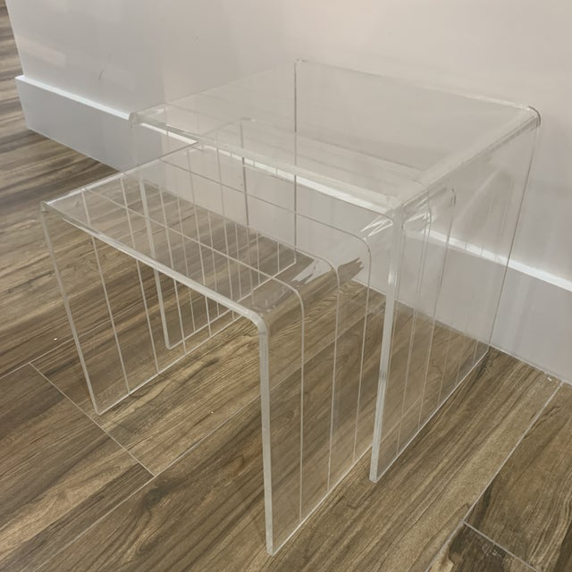 Mid-Century Modern 1980s Lucite Nesting Tables - Set of 2 For Sale - Image 3 of 6