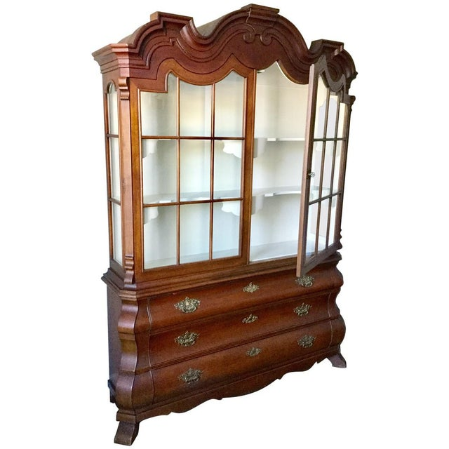 Traditional Dorothy Draper Viennese Collection China Cabinet For Sale - Image 3 of 9