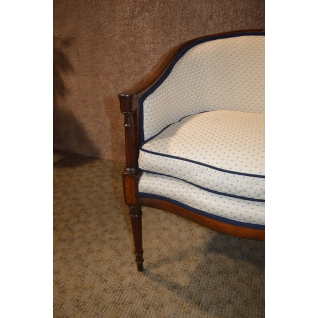 Federal Vintage Sheraton Style Inlaid Mahogany Barrel Back Accent Chair For Sale - Image 3 of 13
