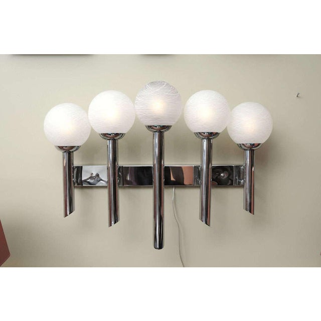 White 1970s Modern Chrome Five Arm Murano Globe Wall Sconce For Sale - Image 8 of 8