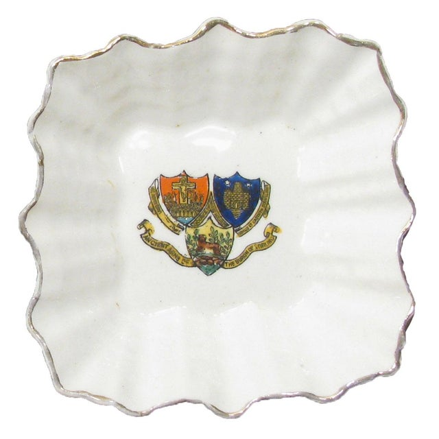 English English Vintage Heraldry Dishes, S/2 For Sale - Image 3 of 5