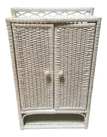 Image of Mid-Century Modern Bathroom Hardware