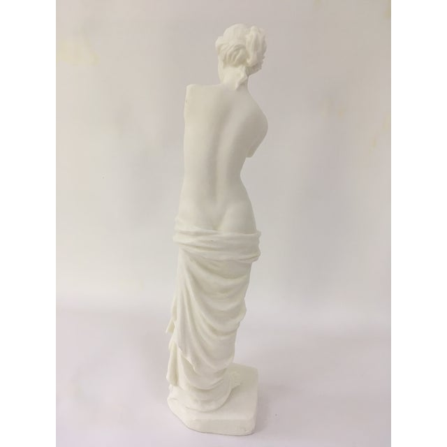 Venus de Milo statue will add a touch of neoclassicism to your home.