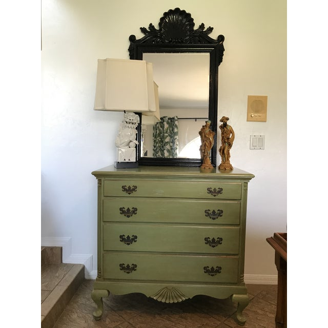 1960s Vintage Queen Anne Coastal Farmhouse Chest of Drawers For Sale - Image 12 of 13