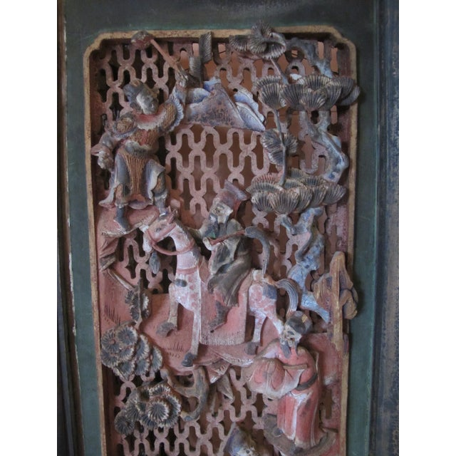Paint Chinese Qing Dynasty Polychrome Carved Wood 6 Panel Figural 6 Panel Screen For Sale - Image 7 of 9