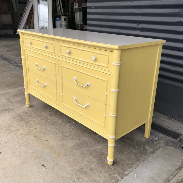 Vintage Thomasville faux bamboo dresser/chest of drawers. 3 drawers with dividers in 2. In the fun original yellow finish...