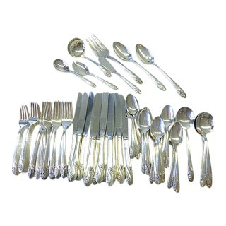 1952 Holmes & Edwards Romance Daffodil Silverplate Set for 12+ Flatware - 80 Pieces For Sale