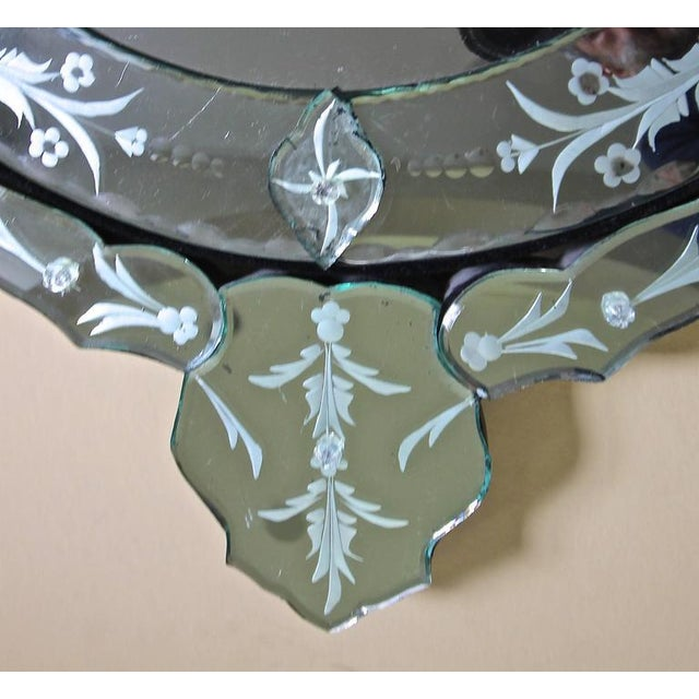 1960s 1960s Venetian Etched Glass Circular Wall Mirror For Sale - Image 5 of 11