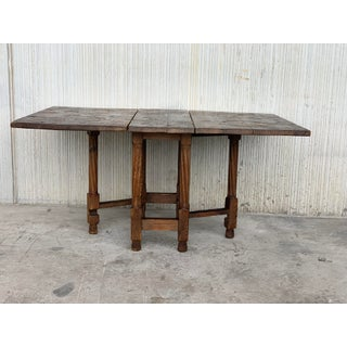 18th Century Spanish Gateleg Table With Two Leafs With Embedded Irons Preview