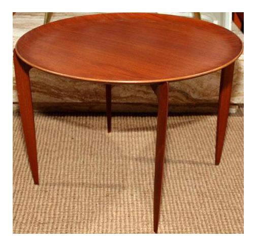 Fritz Hansen Tray Top Folding Table   Image 1 Of 6