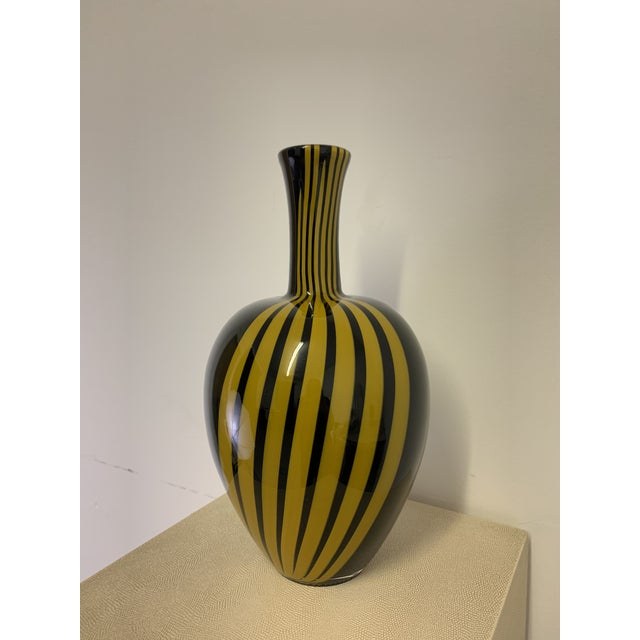 Murano Vintage Italian Black and Gold Glass Vase For Sale - Image 4 of 7