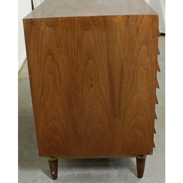 Mid-Century Modern American of Martinsville Merton Gershun Louvre Bachelor Chest For Sale - Image 11 of 12