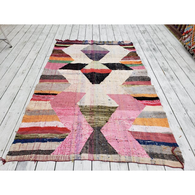 1950s Vintage Ouarzazate Berber Hanbel Moroccan Rug - 4′6″ × 6′10″⁰ For Sale In Greensboro - Image 6 of 11