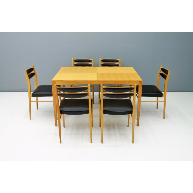 1950s Dining Room Set With Six Chairs in Cherry Wood and Black Leather 1957 For Sale - Image 5 of 10