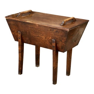 French Boulangerie or Bakery Dough Bin or Proving Chest of Elm For Sale