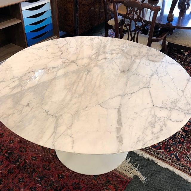 Saarinen Carrar Marble Tulip Table For Sale In San Francisco - Image 6 of 13