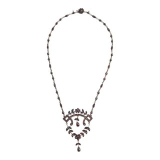 19th Century Victorian Bohemian Garnet Drop Necklace For Sale