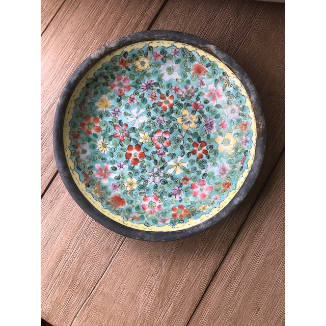 1970s Chinoiserie Floral Plate With Pewter Base For Sale - Image 4 of 10