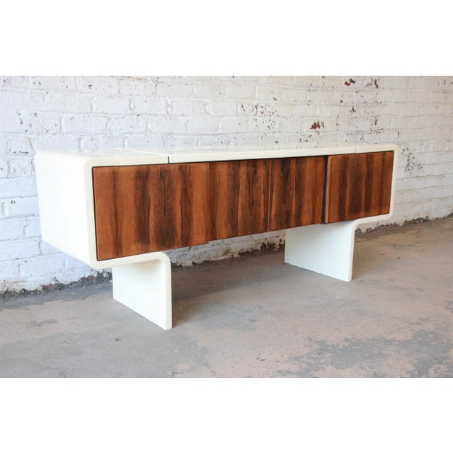 An exceptional and rare Mid-Century Modern uniplane credenza designed by William Sklaroff for Vecta circa 1970s. The...