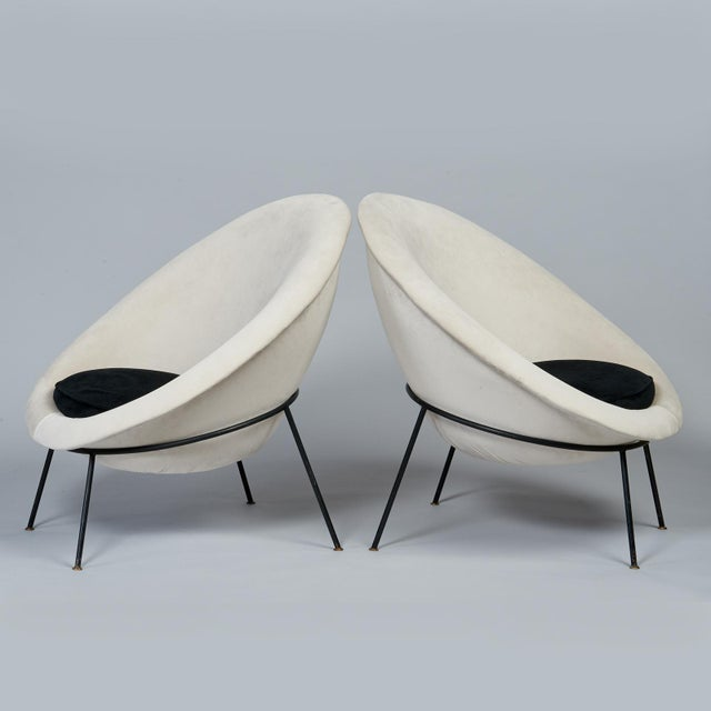 1950s Vintage Velvet and Lacquered Metal Egg Chairs- A Pair For Sale In New York - Image 6 of 10