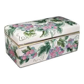 Large Chinese Famille Rose Porcelain Box - Asian Mid Century Modern Palm Beach Boho Chic Tropical Tree Leaves For Sale