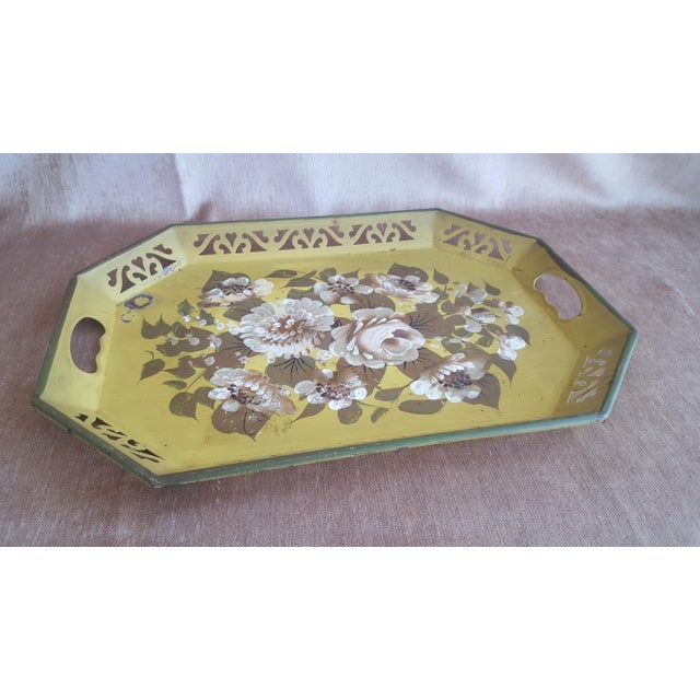 Vintage Chartreuse Floral Tole Tray For Sale In Charlotte - Image 6 of 8