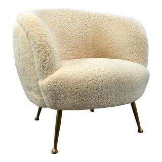 Regina Andrew Modern Ivory Sheep Skin Berretta Barrel Back Lounge Chair For Sale