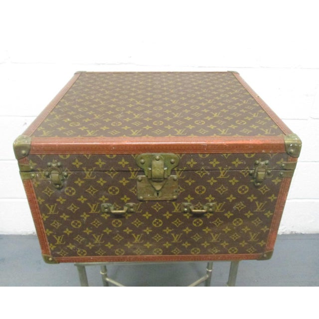 Louis XV Louis Vuitton Vintage Hat Box For Sale - Image 3 of 10