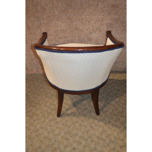 Vintage Sheraton Style Inlaid Mahogany Barrel Back Accent Chair For Sale - Image 11 of 13
