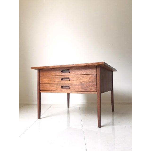 Jens Risom Style Walnut Three Drawer Table - Image 6 of 7