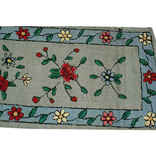 "1930s Antique American Floral Rug-2'2'x9'10"" For Sale - Image 4 of 5"