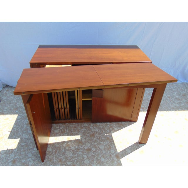 Stanley Young Extending Dining Table For Sale - Image 11 of 12