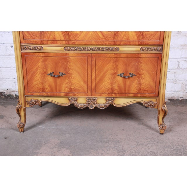 1930s Romweber French Provincial Louis XV Burled Mahogany Highboy Dresser For Sale - Image 5 of 13